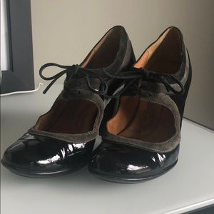 Patent leather Sofft heels!